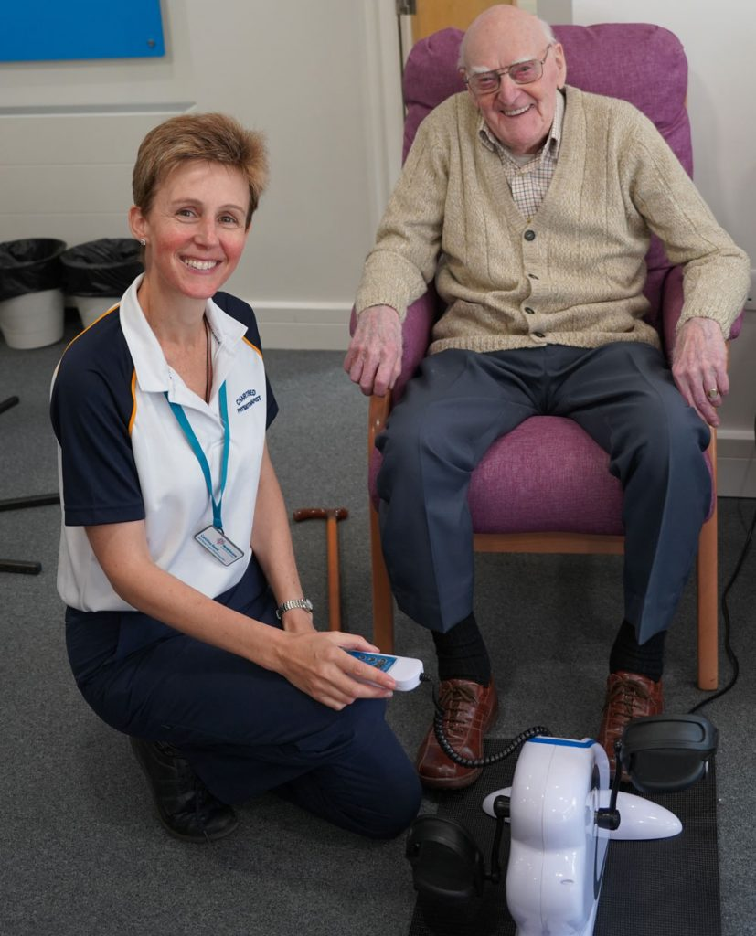 Hospiscare physiotherapist Carolina with patient Ken
