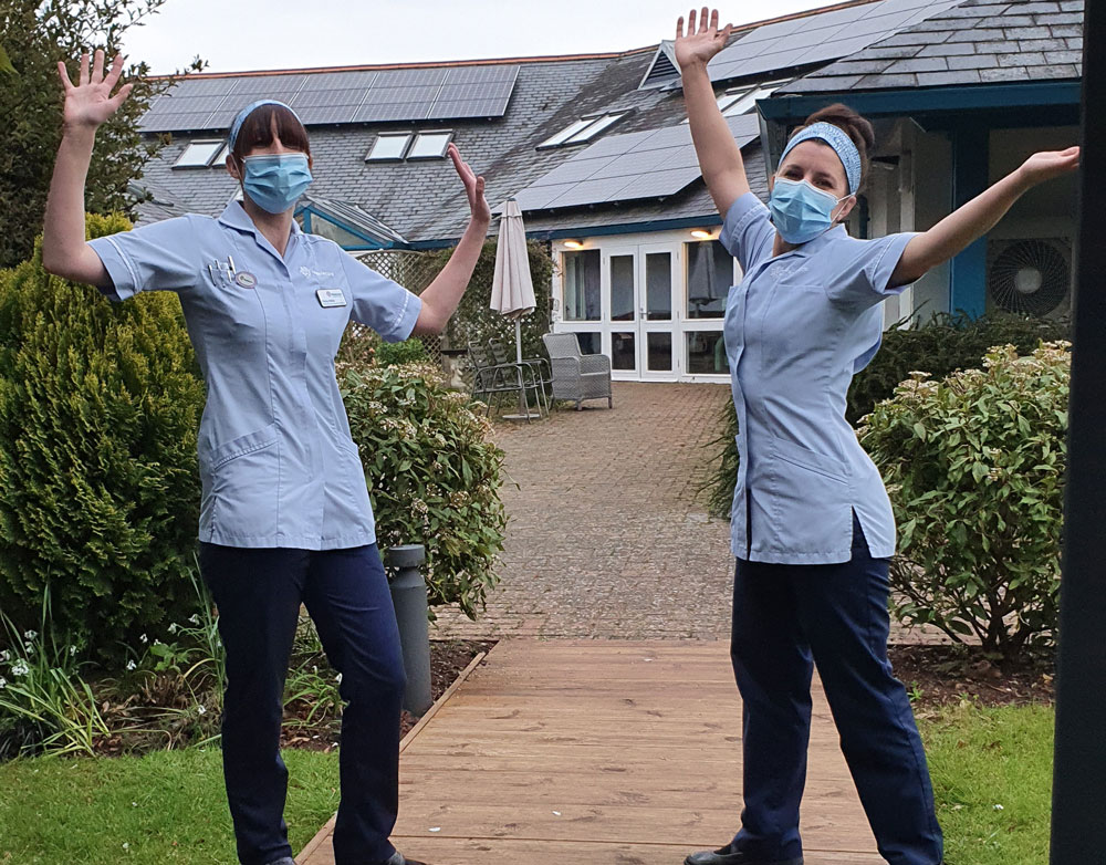 Hospiscare nurses wearing masks