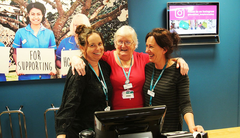 Five great reasons to volunteer with the Hospiscare retail team